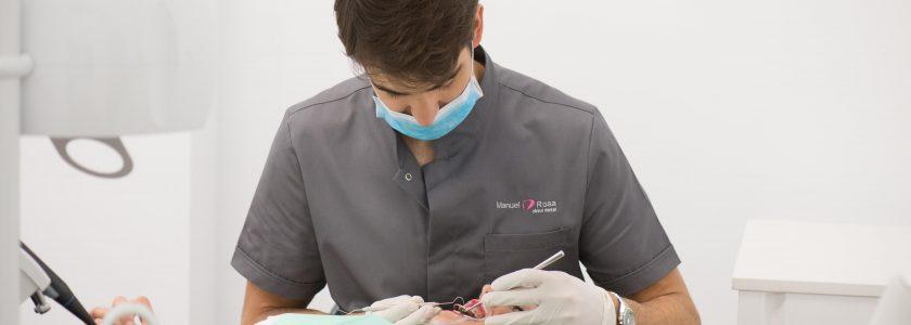 ¿Qué pagas realmente cada vez que pagas un implante? - Clínica Manuel Rosa
