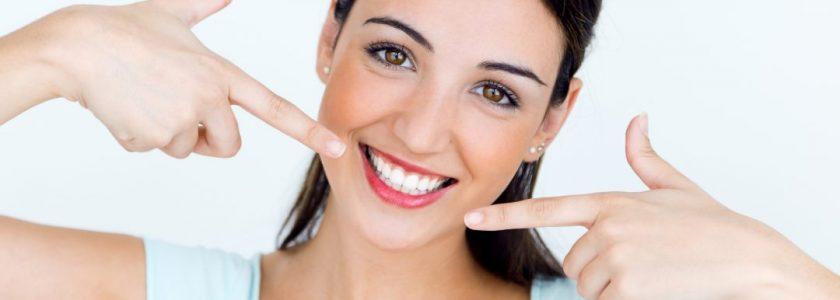 Cómo mantener los resultados de la ortodoncia para toda la vida - Clínica Manuel Rosa