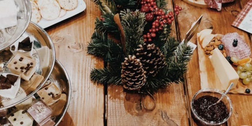 ¿Cómo influyen los excesos de Navidad en tus dientes? - Clínica Manuel Rosa
